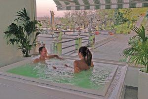 Un-soggiorno-rilassante-al-Civardi-Racemus-idromassaggio-elisa-enrico