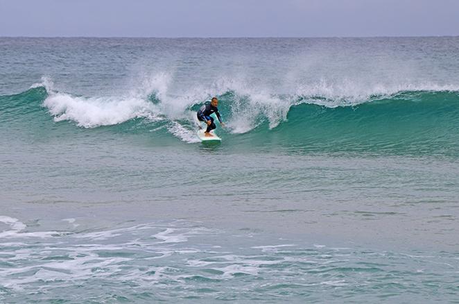capoterra-mare-dintorni-surfisti