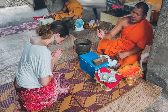 angkor-wat-benedizione-monaco