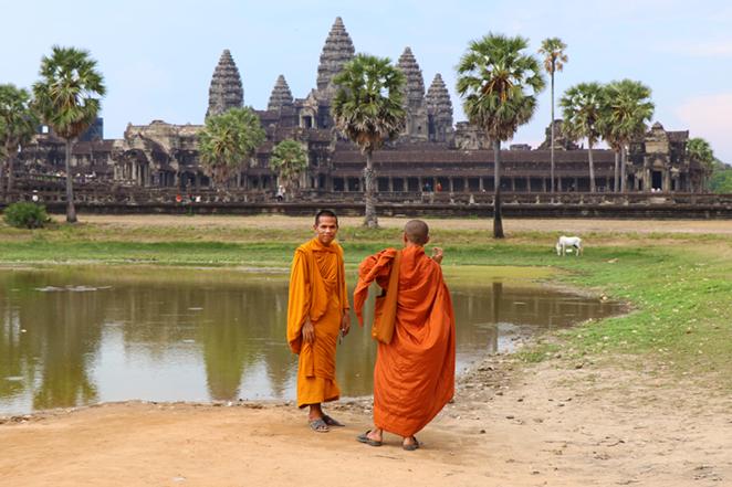 monaci-angkor-wat