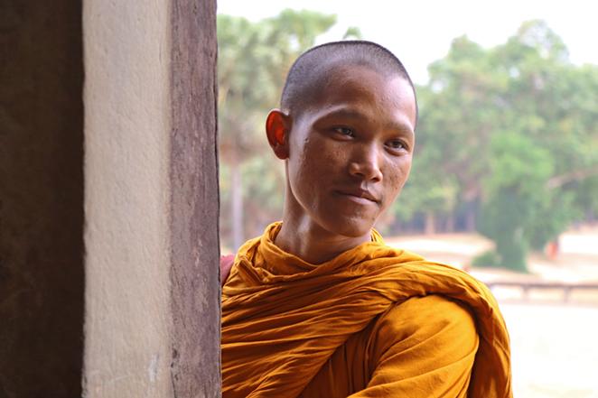 i-sorrisi-della-cambogia-monaco-buddista-angkor-2